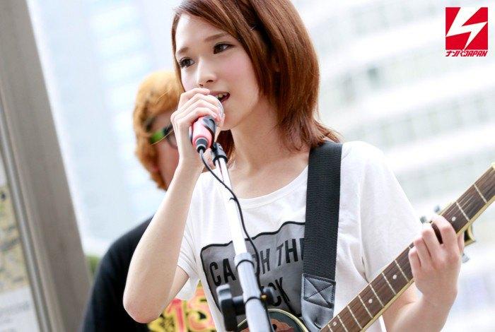 椎名そら 可愛いバンド・ヴォーカルのAVデビュー画像