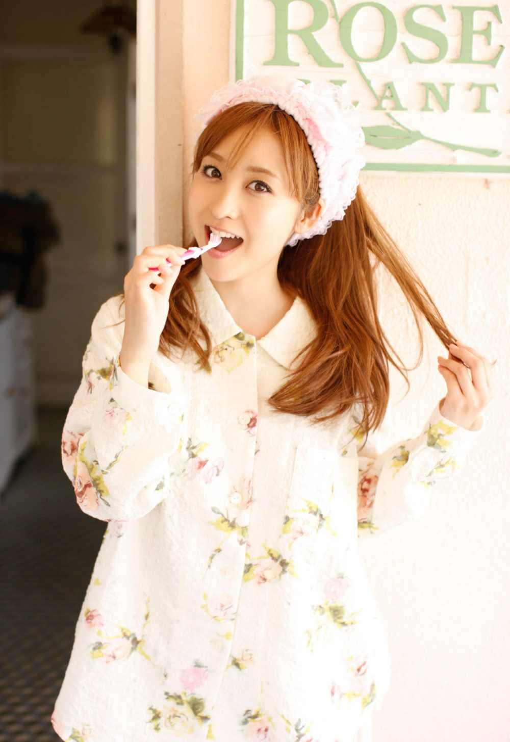 木口亜矢のパジャマが可愛いGカップ水着コスプレ画像