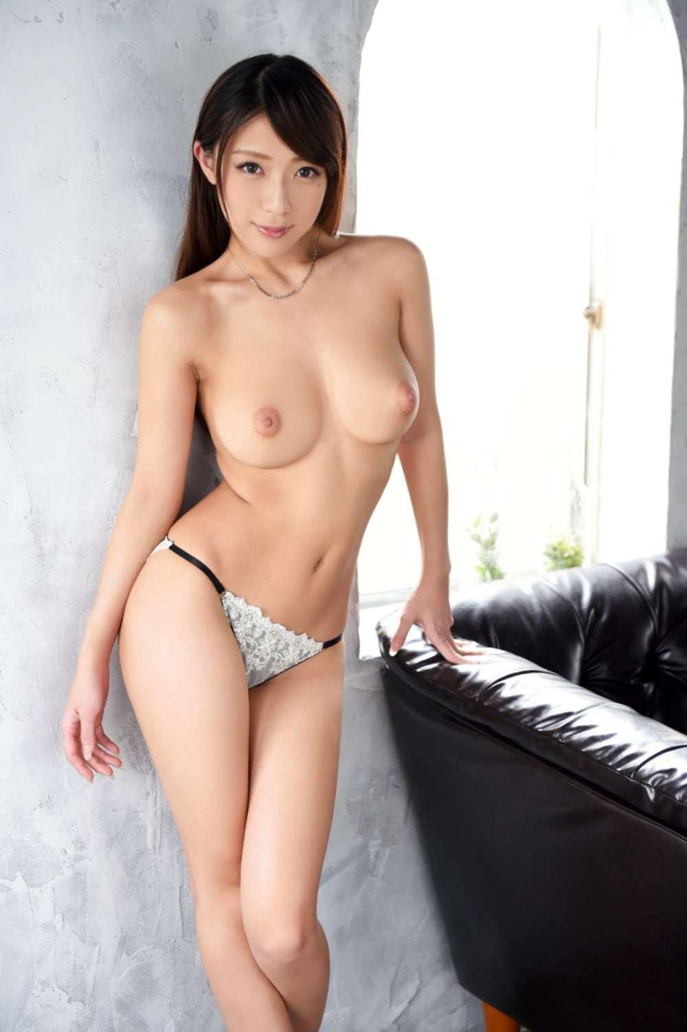 香椎りあ(雅さやか)スタイル抜群なセックス画像