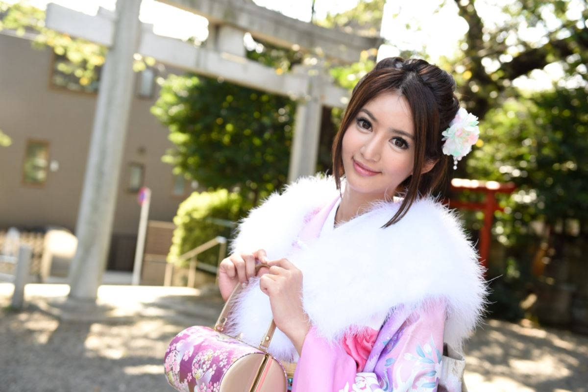 麻生希のマンコが元日に拝める無修正デビュー画像