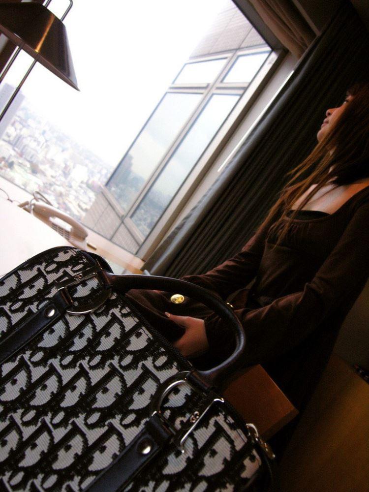 茶色コーデが可愛い女子大生の素人ハメ撮り画像 10