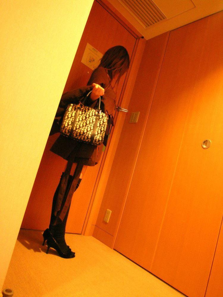 茶色コーデが可愛い女子大生の素人ハメ撮り画像 9