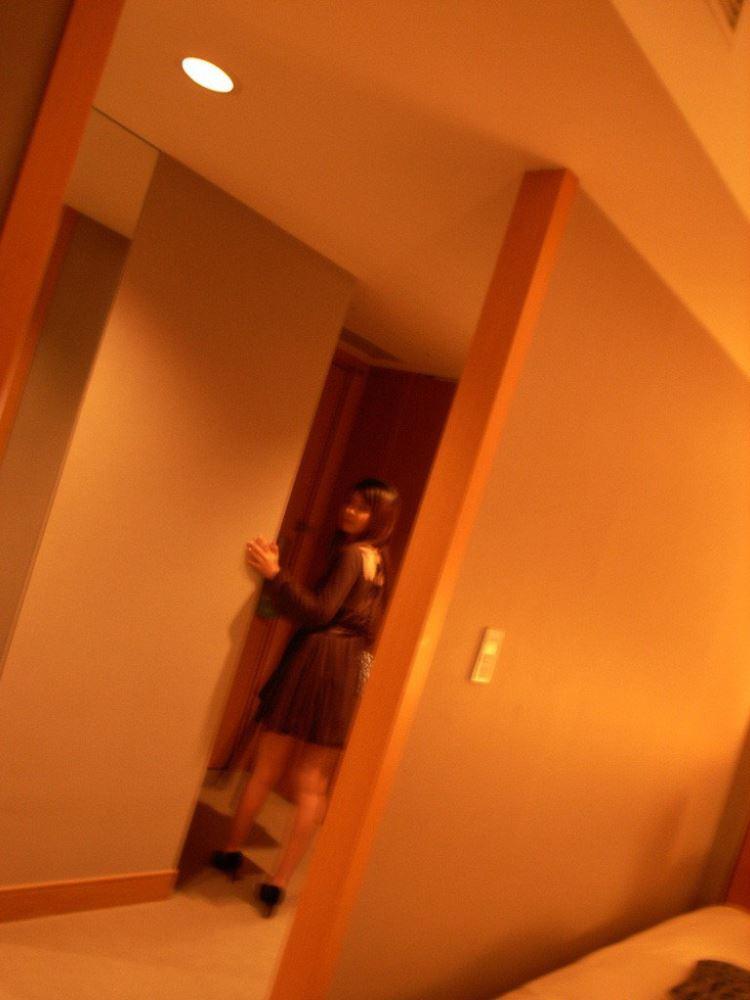 茶色コーデが可愛い女子大生の素人ハメ撮り画像 60