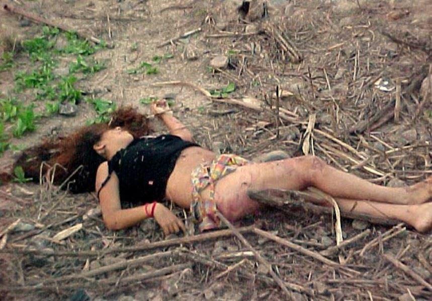 レイプ後の哀れな女のエロ画像 26