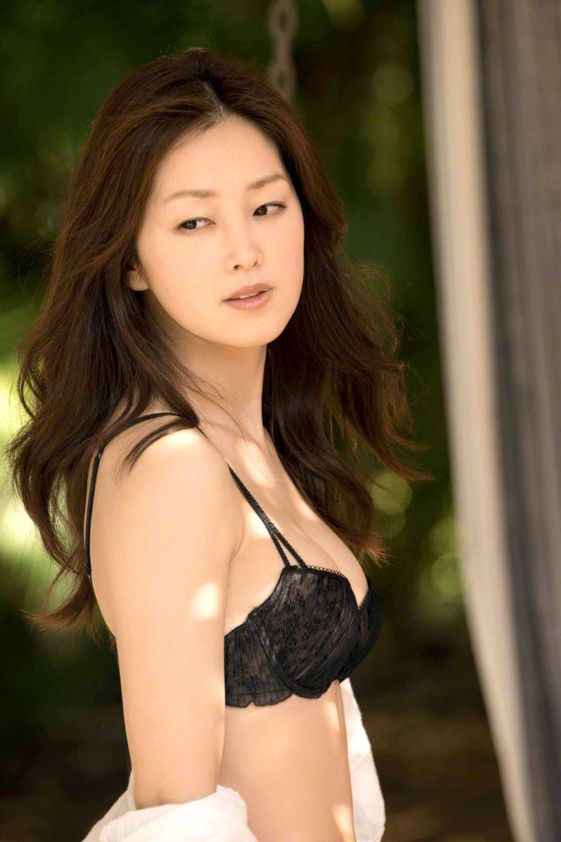 笛木優子(ユミン)CM女優のセクシー下着画像