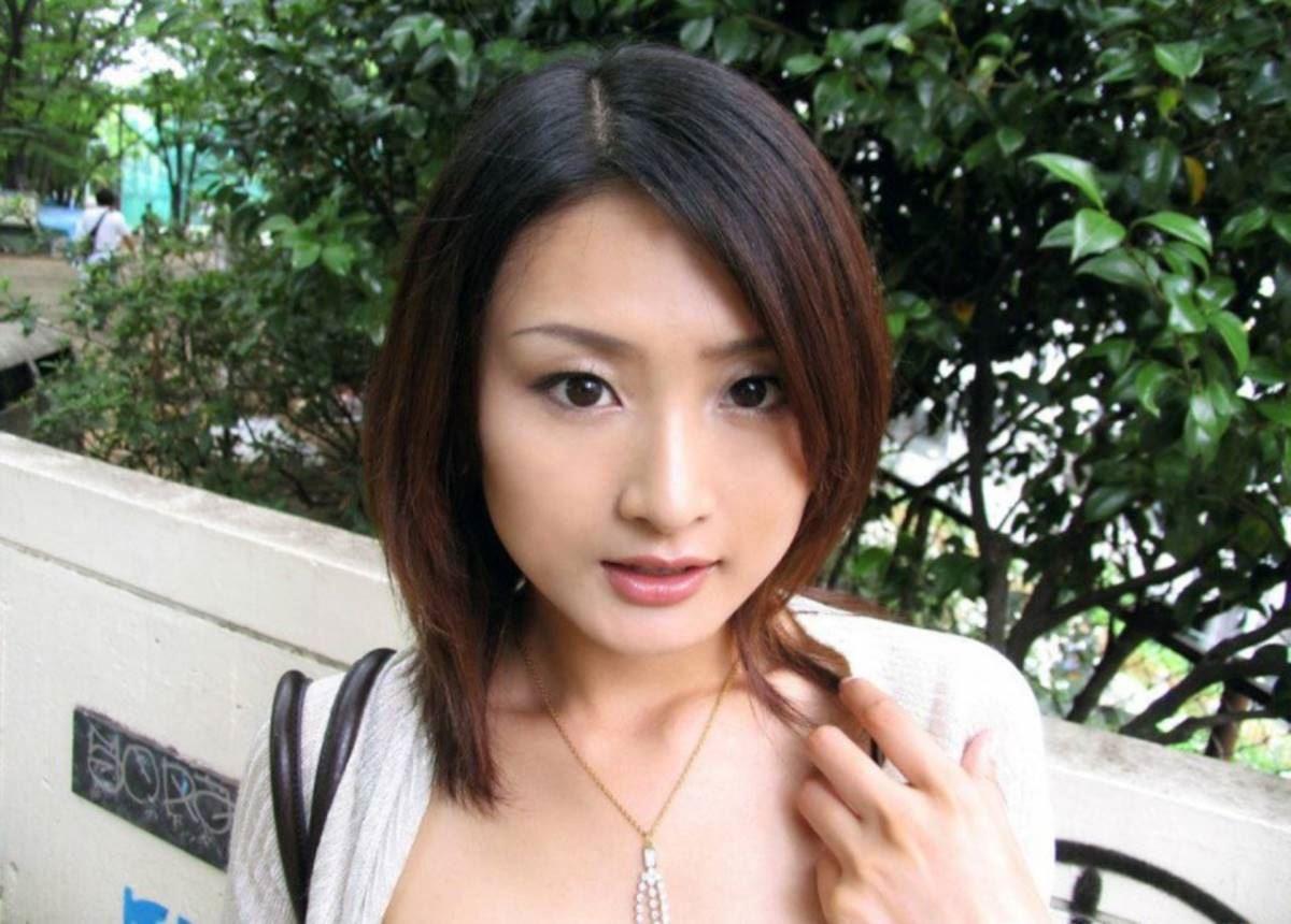美脚の韓国人素人女性ハメ撮りセックス画像 3