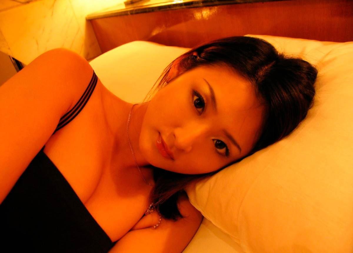 美脚の韓国人素人女性ハメ撮りセックス画像 15