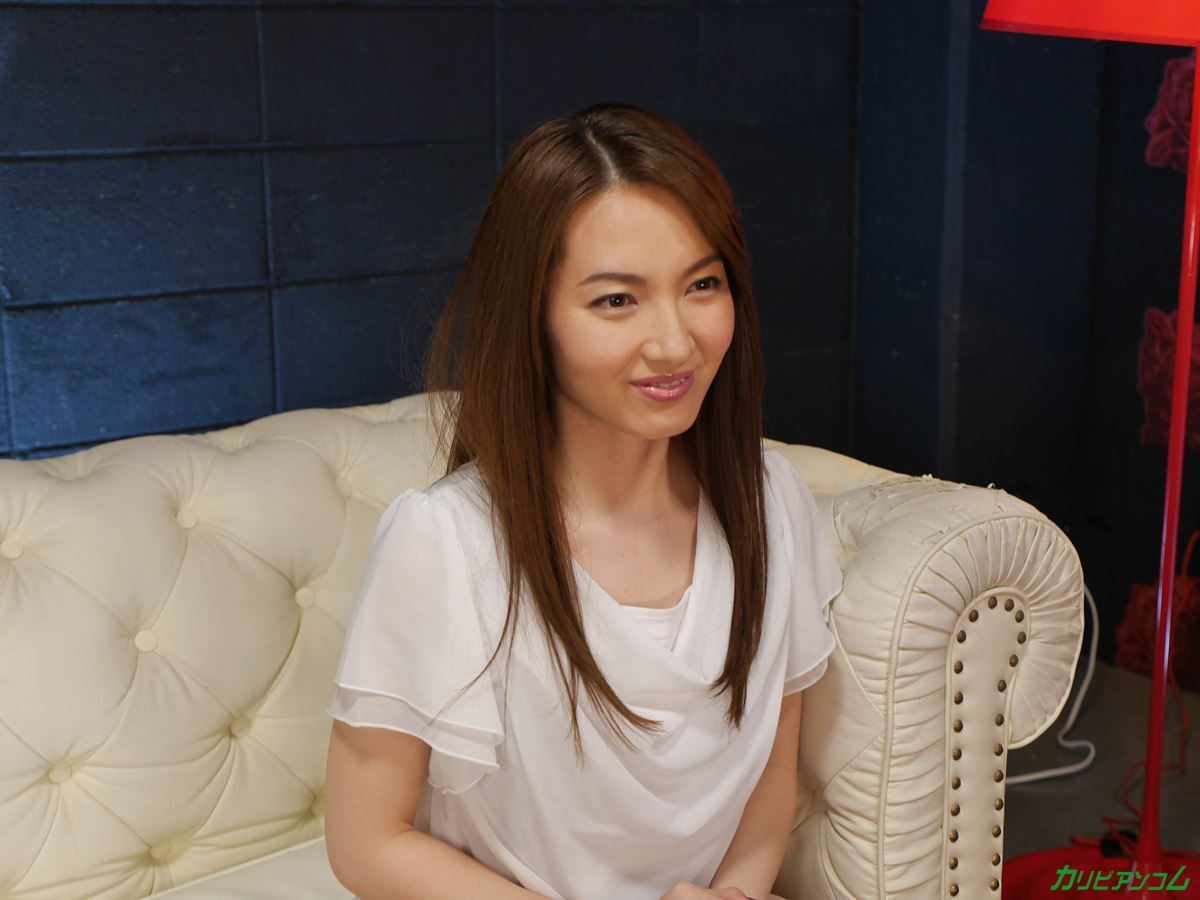 葉山瞳の妖艶な無修正ドキュメンタリー画像