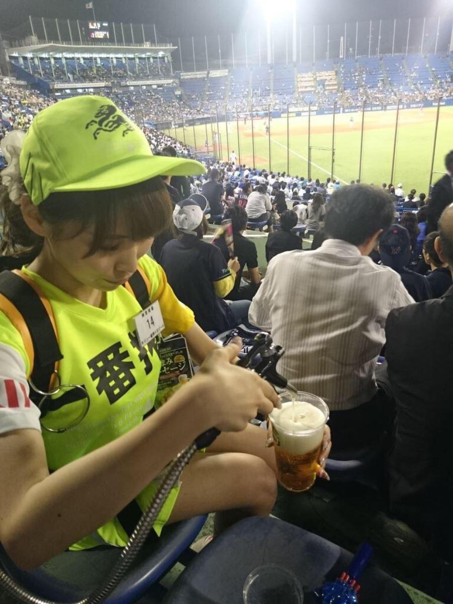 ビール売り子 画像 35