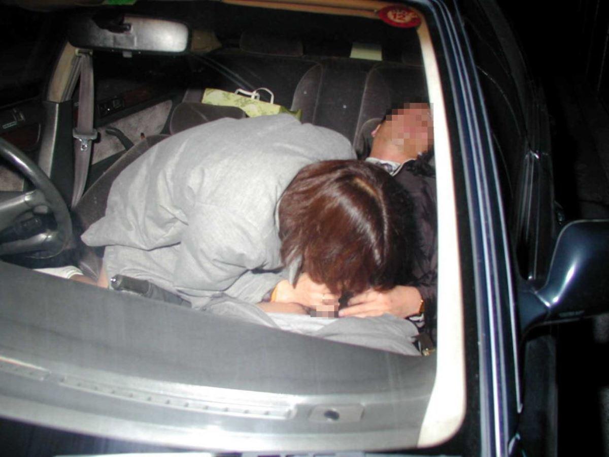 車内フェラチオ画像 33
