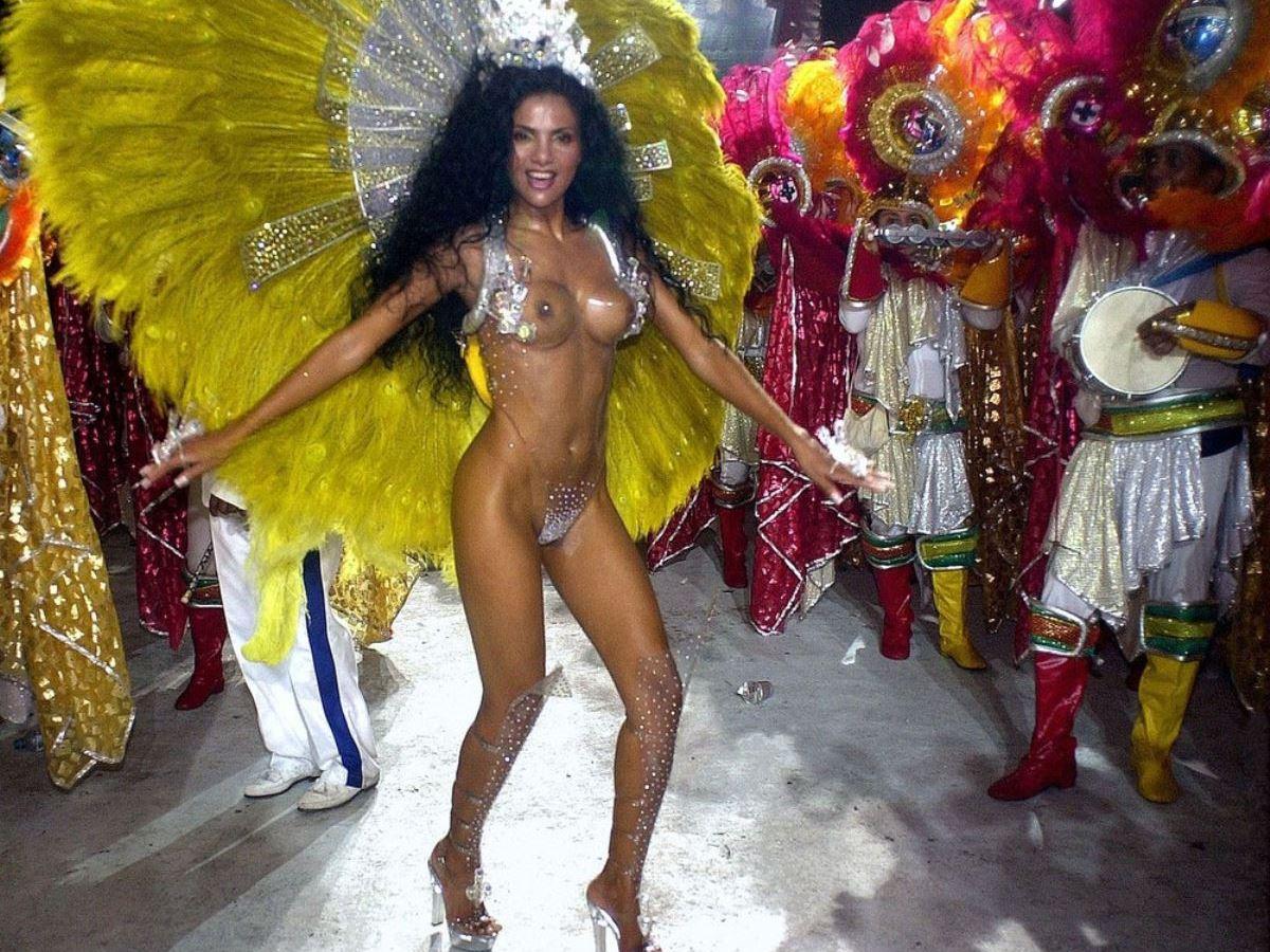 衣装が過激すぎるリオのカーニバル画像