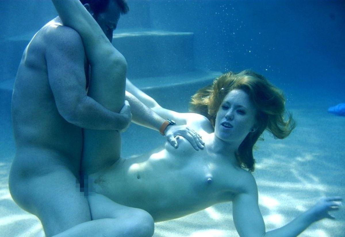 水中セックス画像 47
