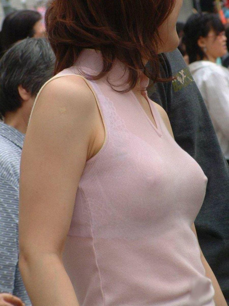 街撮り 乳首ポッチ画像 32