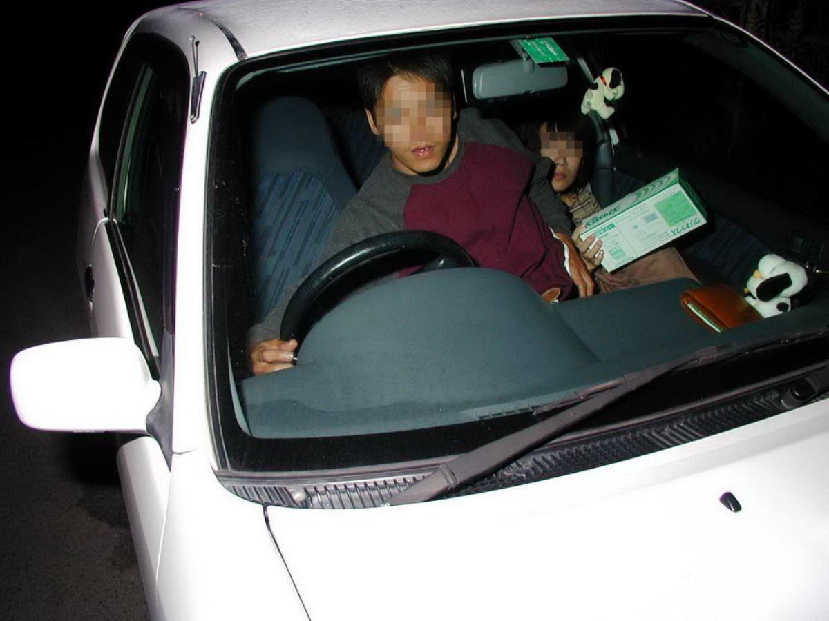 素人カップルのカーセックス盗撮画像 26