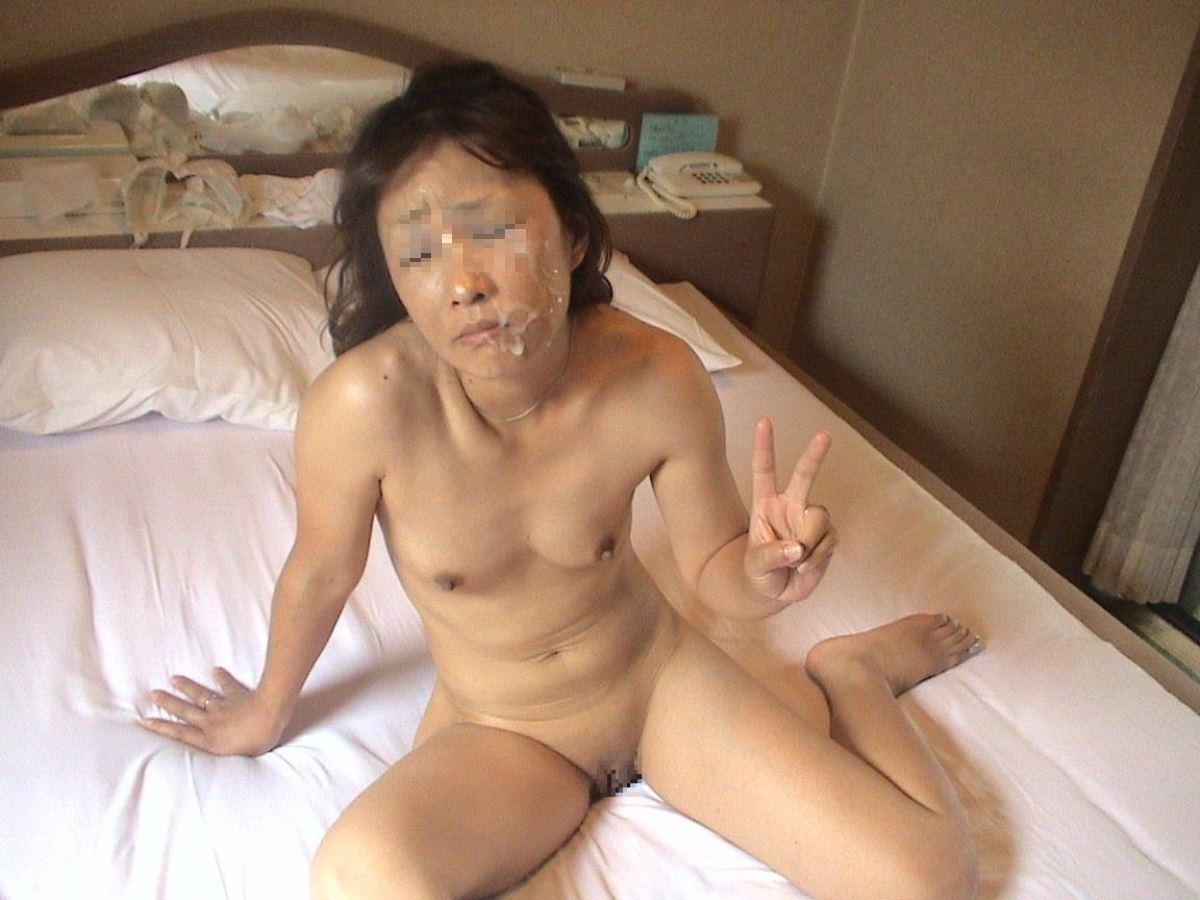 素人 全裸ピース画像 21