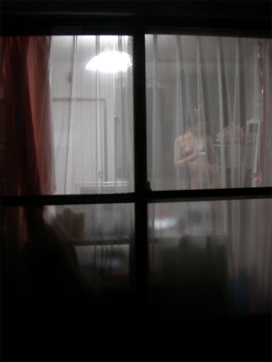 民家 窓 盗撮 無防備 私生活 覗く 民家盗撮 エロ画像 46