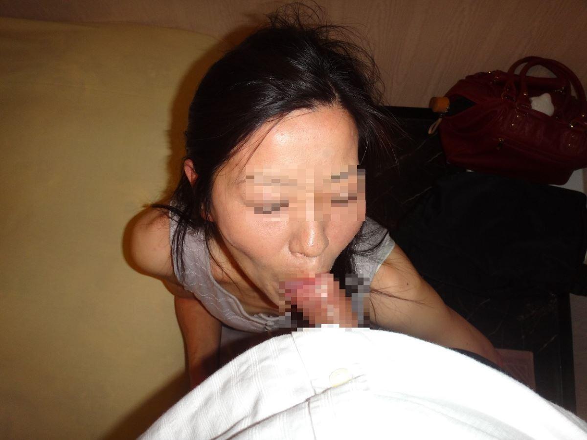 おばさん 口技 舌技 素人 熟女 フェラチオ エロ画像 70