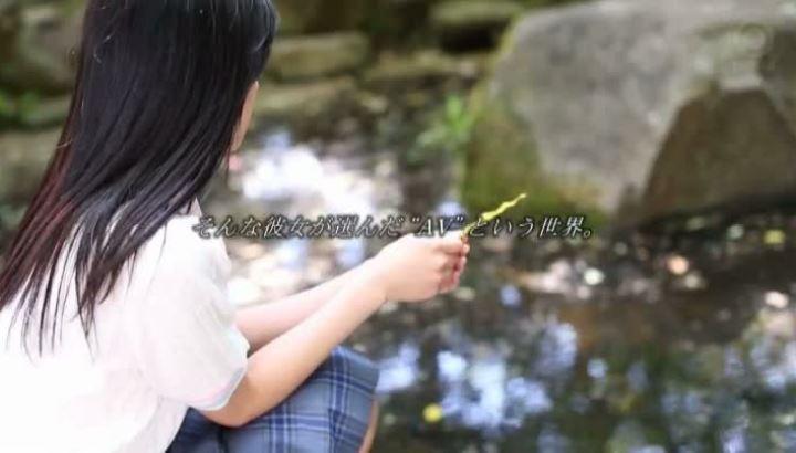 桐谷絢果 18歳 美少女 AV 画像 15