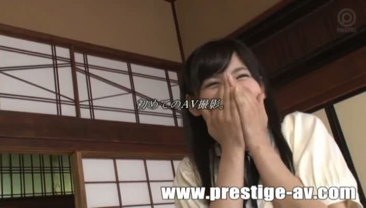 桐谷絢果 18歳 美少女 AV 画像 16