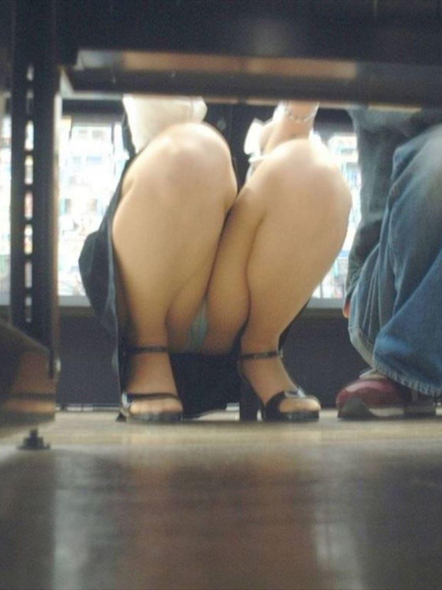働くお姉さん 盗撮 街撮り パンチラ エロ画像 43