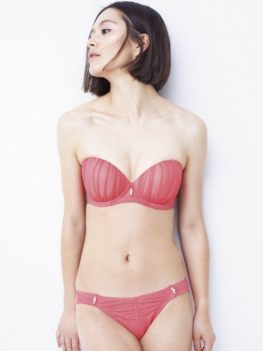オカズにもなるランジェリーモデルのセクシー画像 24
