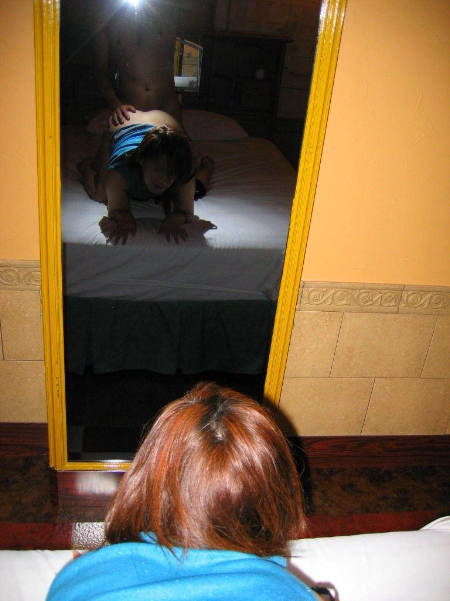 素人カップル セックス 鏡撮り ハメ撮り エロ画像 29