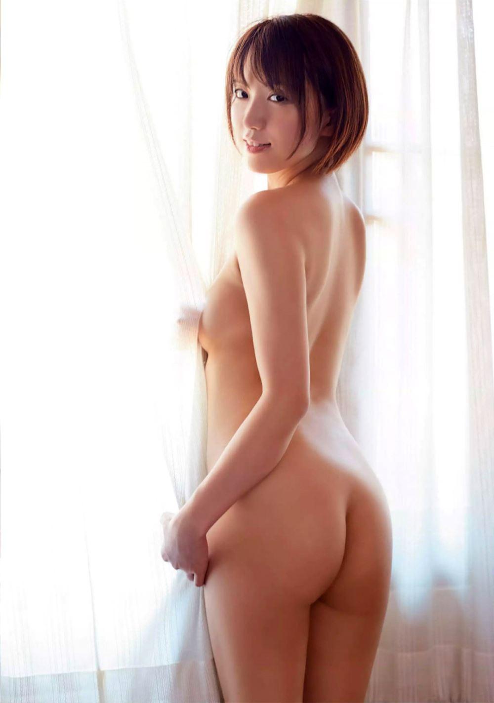 浅倉結希 お尻丸出しセミヌードや水着のエロ画像