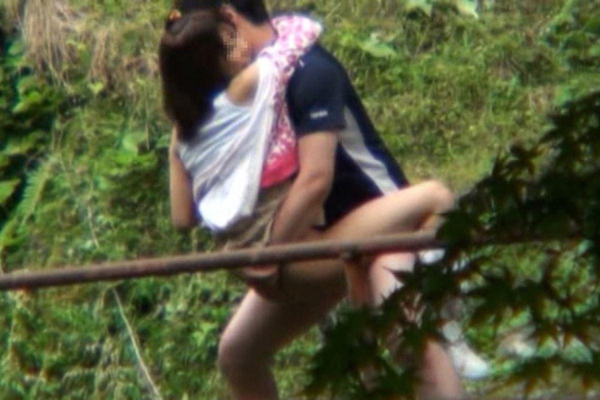 素人 カップル 野外 セックス 画像 31