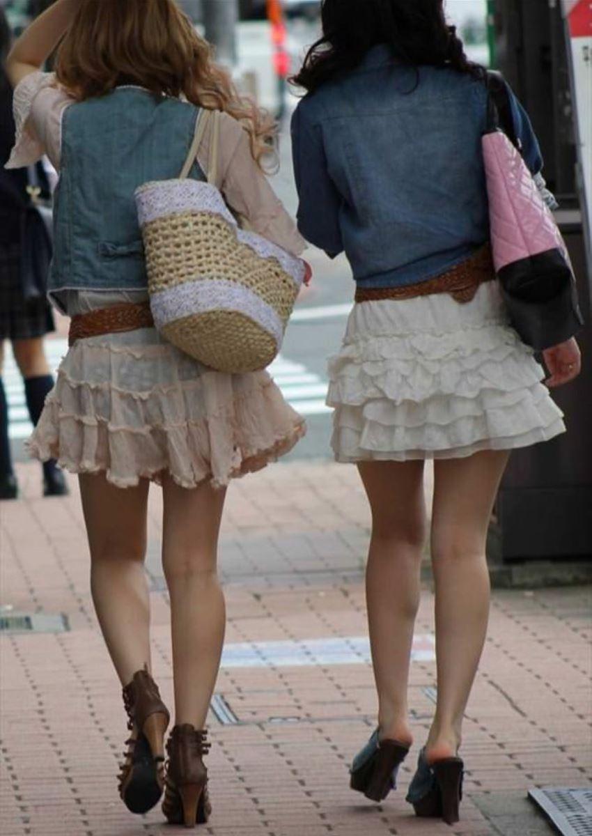 パンツの色柄までモロ透けなパン透けエロ画像 34