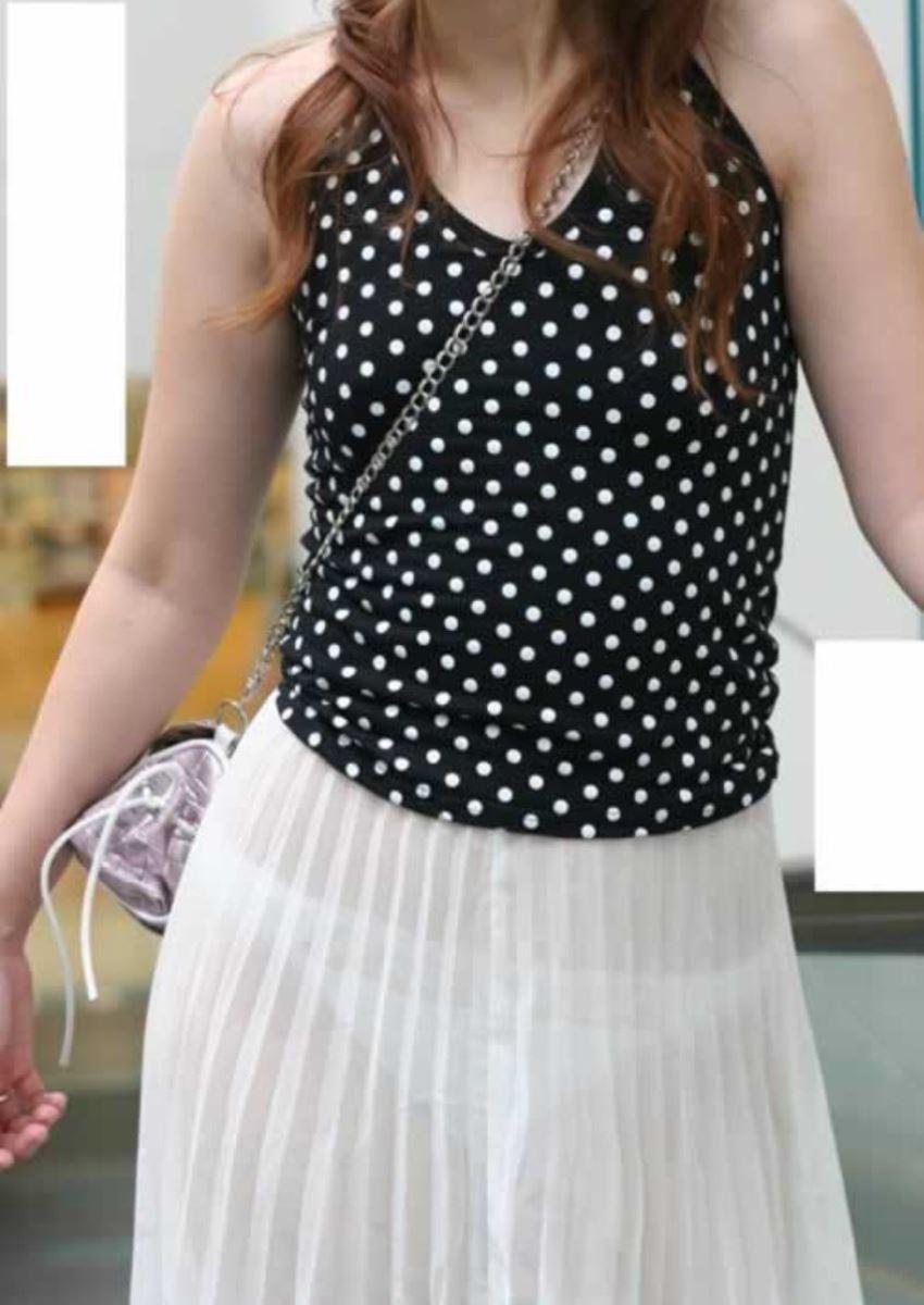 パンツの色柄までモロ透けなパン透けエロ画像 48