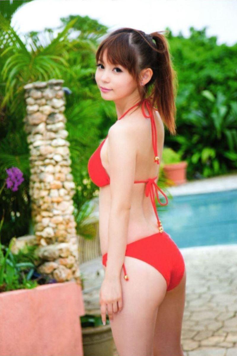 中川翔子の水着写真集「ギザ10」画像 27