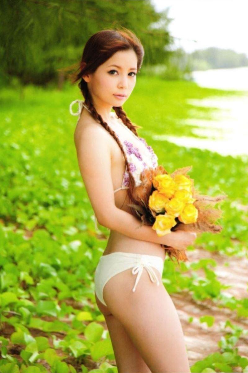 中川翔子の水着写真集「ギザ10」画像 37