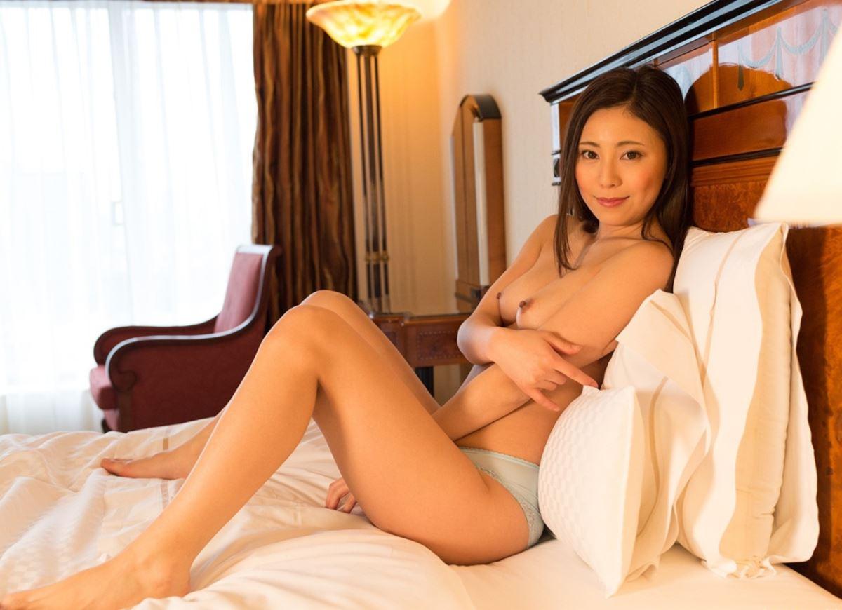 いやらしい若奥さん敏感ハメ撮りセックス画像 46
