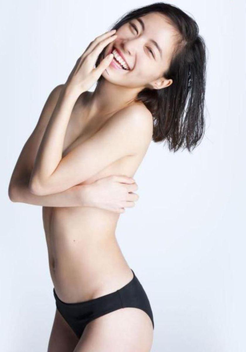 松井珠理奈の手ぶら写真集「Jurina」画像 1