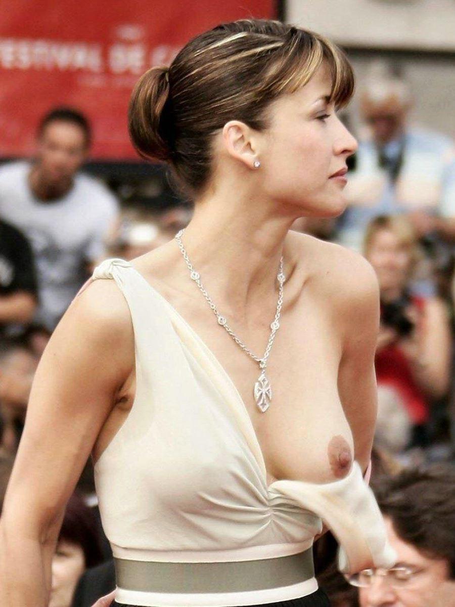 おっぱい ポロリ 胸ちら ハプニング画像 10