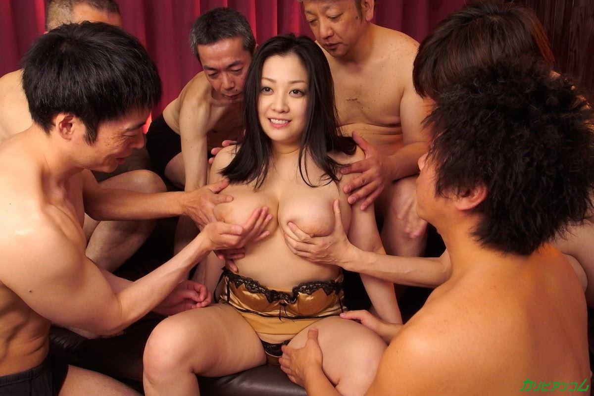 小向美奈子を無修正で輪姦する集団セックス画像