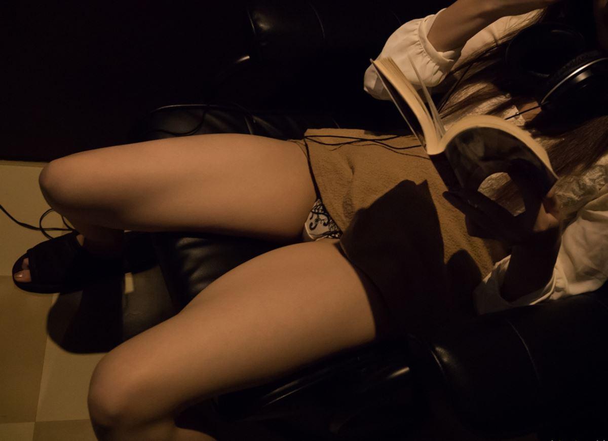 ネットカフェでハメ撮りを楽しむ素人セックス画像 38