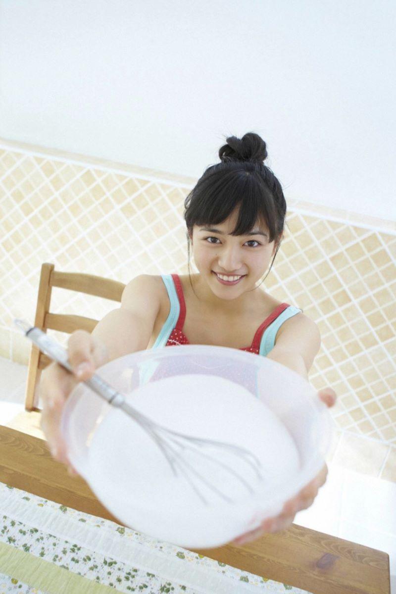 川口春奈の最新ビキニでシコれる水着グラビア画像 8