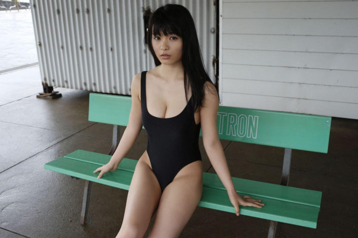 しっとりセクシーな星名美津紀の水着画像 45