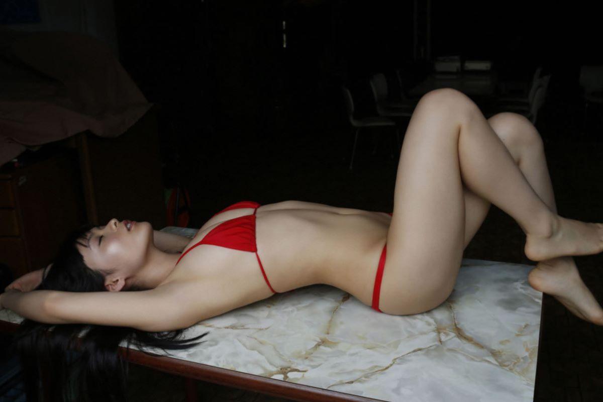 しっとりセクシーな星名美津紀の水着画像 92