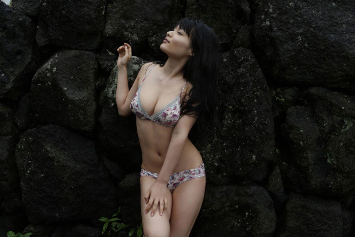 しっとりセクシーな星名美津紀の水着画像 124
