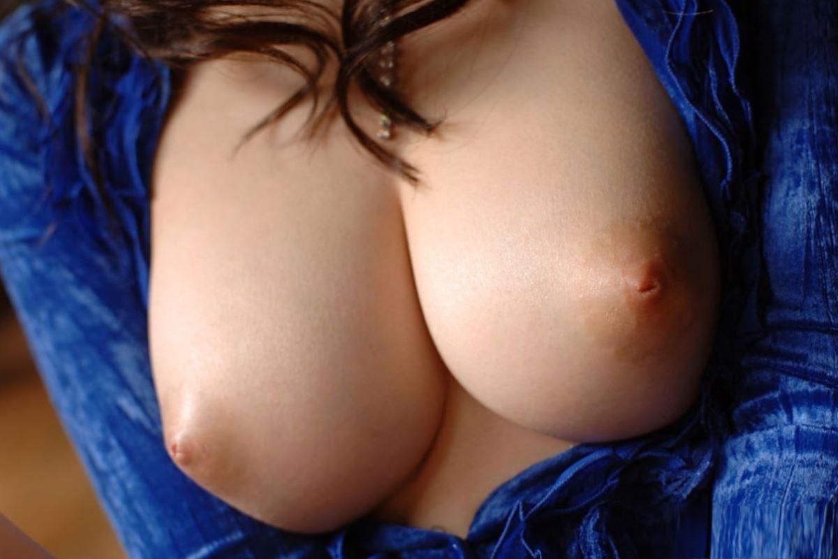 美乳首 エロ画像 33