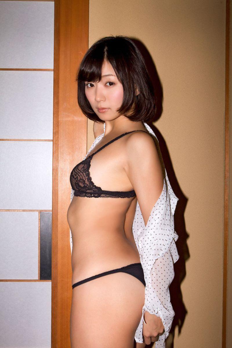 階戸瑠李 エロ画像 36