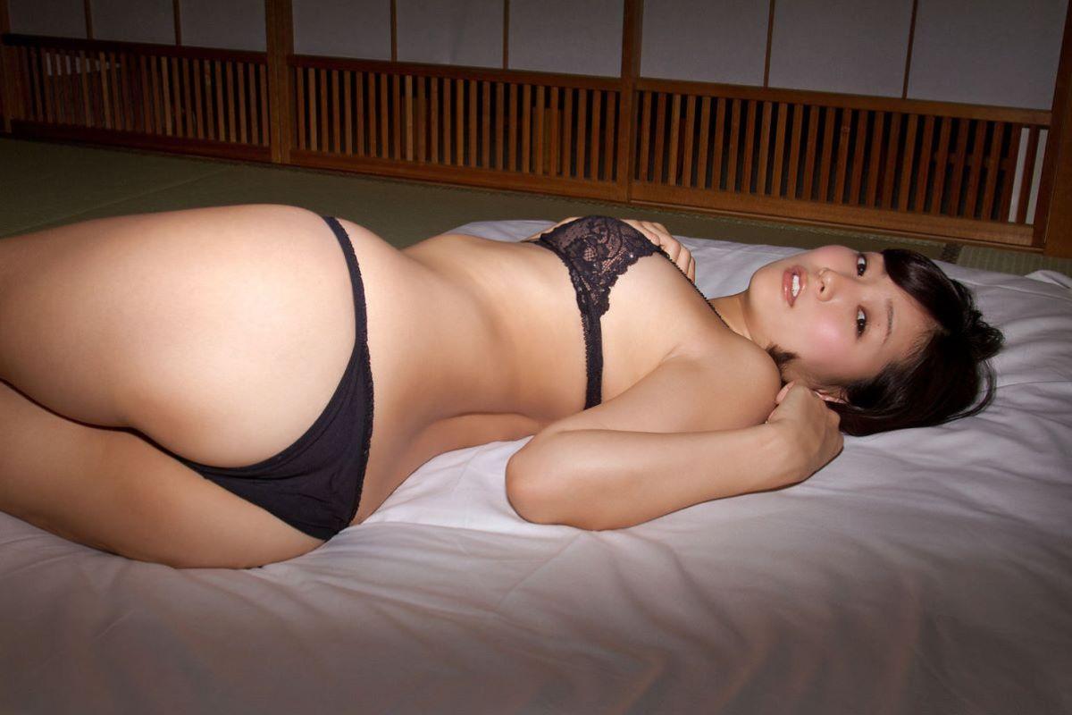 階戸瑠李 エロ画像 45