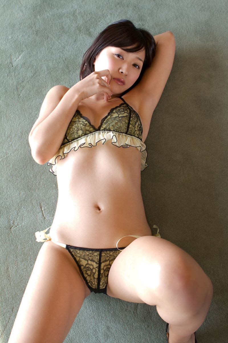 階戸瑠李 エロ画像 86