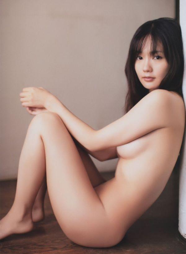 中村ゆり セミヌード画像 2