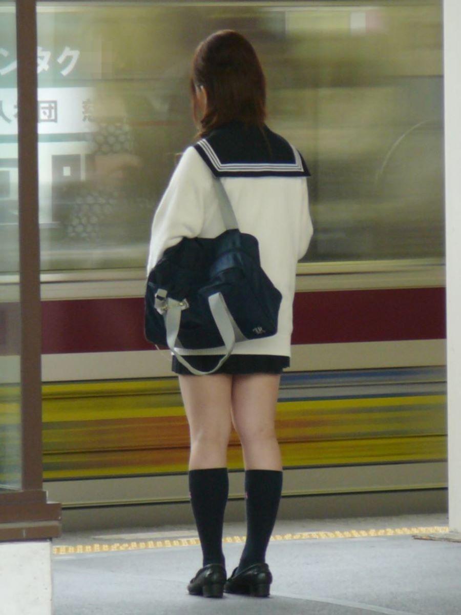 制服JK 女子高生 通学風景 画像 46