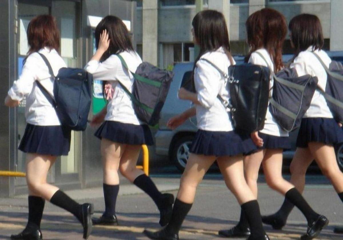 制服JK 女子高生 通学風景 画像 83
