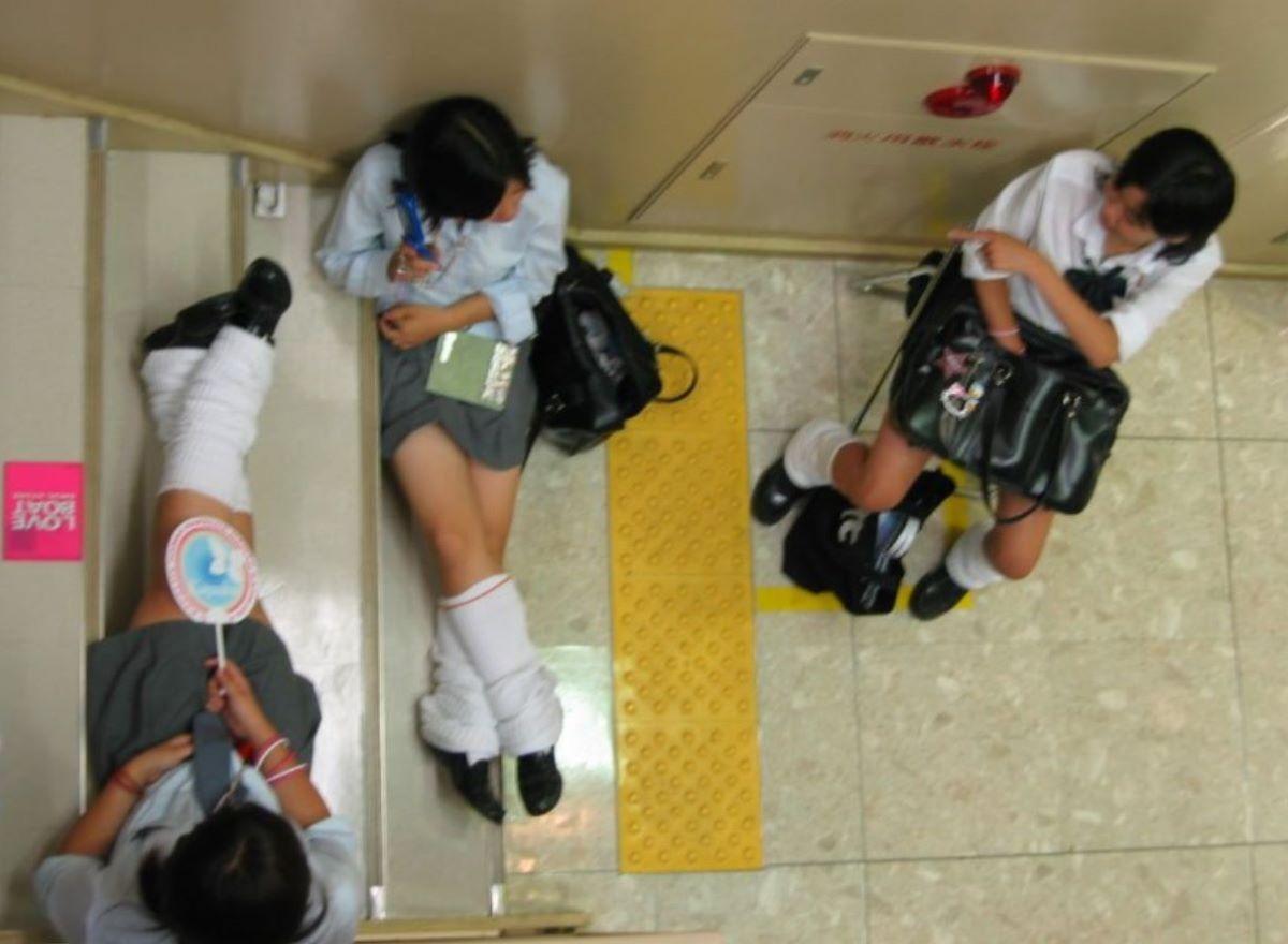 制服JK 女子高生 通学風景 画像 86