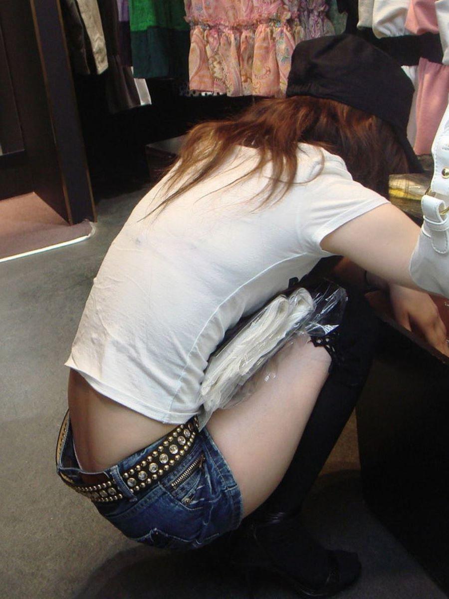 働く女性 ブラ透け画像 10